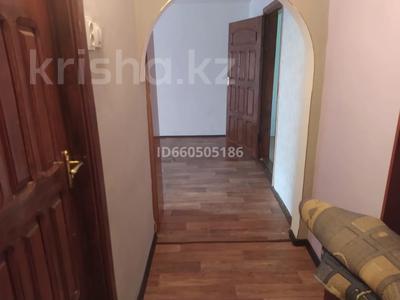 2-комнатная квартира, 60 м², 3/5 этаж помесячно, Момышулы — Республики за 85 000 〒 в Шымкенте, Абайский р-н — фото 7