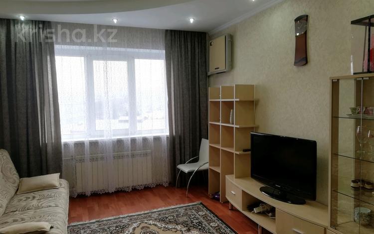 3-комнатная квартира, 75 м², 9/9 этаж помесячно, мкр Аксай-4, Саина 4 — Жубанова за 150 000 〒 в Алматы, Ауэзовский р-н