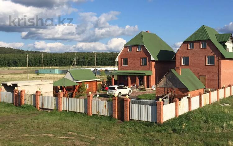12-комнатный дом, 410 м², 10 сот., Кирсеневых 59 за 64 млн 〒 в Бурабае