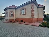 8-комнатный дом, 1350 м², 14 сот.