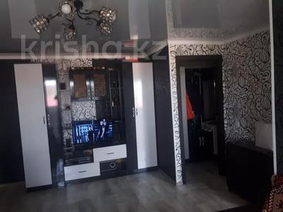 3-комнатная квартира, 60 м², 5/5 этаж, Маркса 46 за 7 млн 〒 в Шахтинске — фото 2