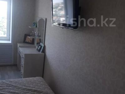 3-комнатная квартира, 60 м², 5/5 этаж, Маркса 46 за 7 млн 〒 в Шахтинске — фото 9