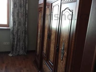 7-комнатный дом помесячно, 320 м², мкр Дубок-2 158 — Шаляпина Момышулы за 500 000 〒 в Алматы, Ауэзовский р-н — фото 13