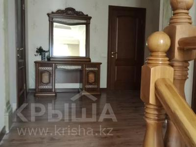 7-комнатный дом помесячно, 320 м², мкр Дубок-2 158 — Шаляпина Момышулы за 500 000 〒 в Алматы, Ауэзовский р-н — фото 3