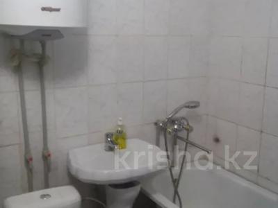 2-комнатная квартира, 42 м², 5/5 этаж, Абая за 5 млн 〒 в  — фото 4