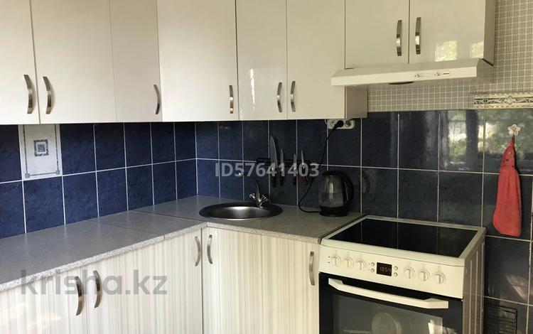 3-комнатная квартира, 70 м², 1/5 этаж, Севастопольская 2/1 за 22.7 млн 〒 в Усть-Каменогорске