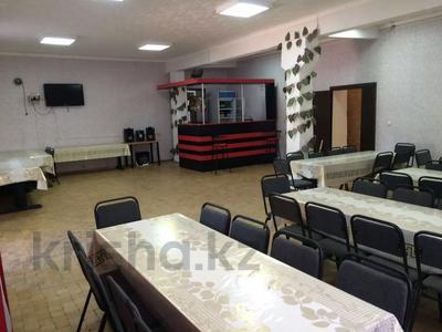 Магазин площадью 400 м², мкр Астана за 30 млн 〒 в Уральске, мкр Астана