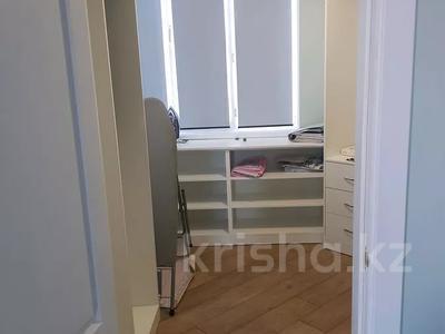 3-комнатная квартира, 145 м², 6/9 этаж помесячно, 15-й мкр, 12-й мкр 72В за 270 000 〒 в Актау, 15-й мкр — фото 11