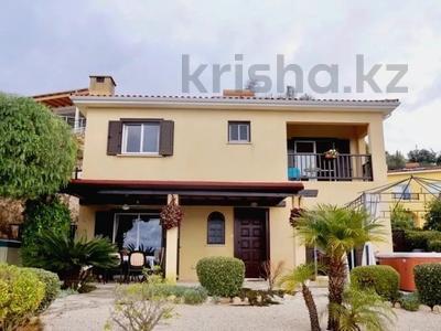 4-комнатный дом, 140 м², 5 сот., Камарес Вилледж, Пафос за 120 млн 〒