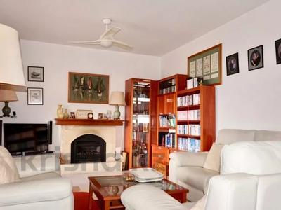 4-комнатный дом, 140 м², 5 сот., Камарес Вилледж, Пафос за 120 млн 〒 — фото 12