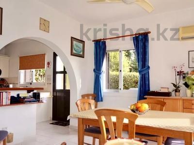 4-комнатный дом, 140 м², 5 сот., Камарес Вилледж, Пафос за 120 млн 〒 — фото 15