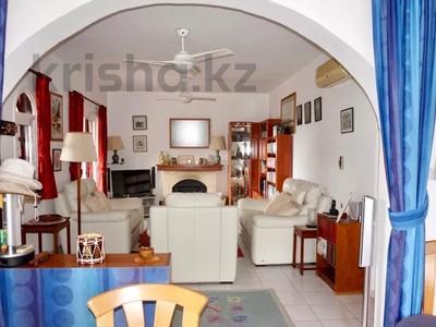 4-комнатный дом, 140 м², 5 сот., Камарес Вилледж, Пафос за 120 млн 〒 — фото 21
