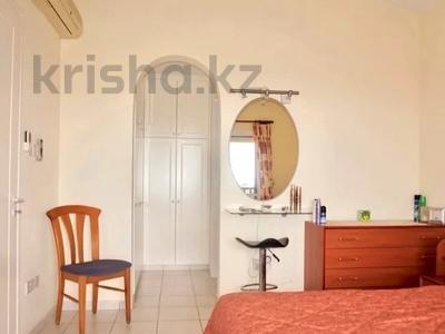 4-комнатный дом, 140 м², 5 сот., Камарес Вилледж, Пафос за 120 млн 〒 — фото 26