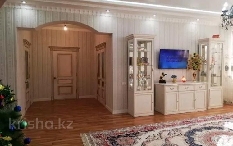 6-комнатный дом, 270 м², 8 сот., Самал-2 26 — Аргынбекова Казиева за 55.5 млн 〒 в Шымкенте, Абайский р-н