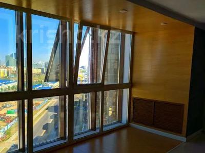 3-комнатная квартира, 100 м², Туркестан за 32 млн 〒 в Нур-Султане (Астана), Есиль р-н