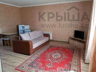 10-комнатный дом, 296 м², 10 сот., Жанкент 149 — Сатпаева за 70 млн 〒 в Нур-Султане (Астане), р-н Байконур