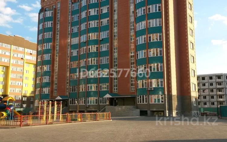 3-комнатная квартира, 122 м², 2 этаж, Баишева 7А/1 за 35.7 млн 〒 в Актобе, мкр. Батыс-2