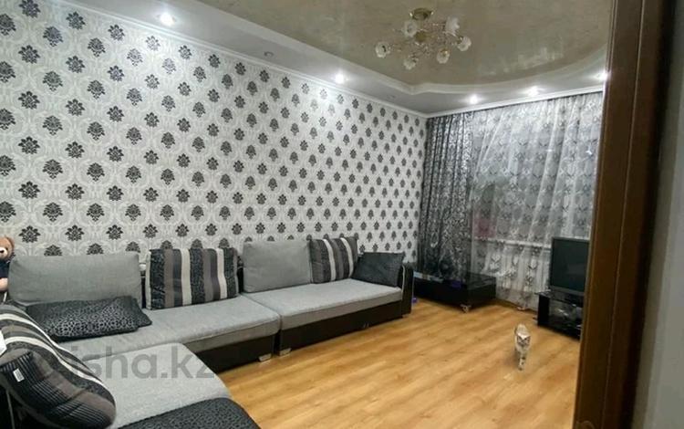 2-комнатная квартира, 56 м², 9/10 этаж, мкр Аксай-2 43 — Маргулана за 22 млн 〒 в Алматы, Ауэзовский р-н