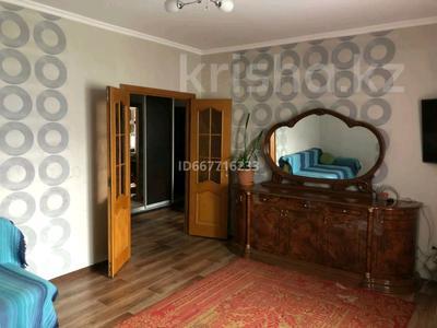 2-комнатная квартира, 65 м², 2/5 этаж, мкр Кокжиек 39 за 24 млн 〒 в Алматы, Жетысуский р-н
