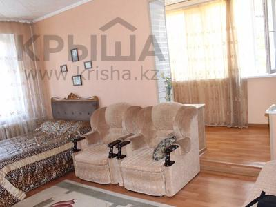 1-комнатная квартира, 40 м², 2/5 этаж посуточно, 5 мкр 10 — Набережная за 6 000 〒 в Актау — фото 4