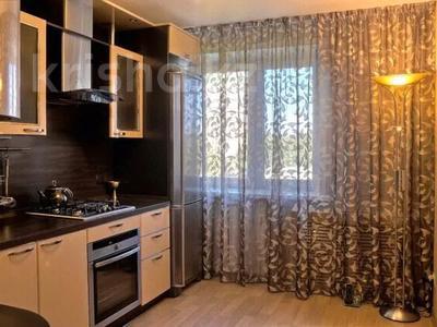 2-комнатная квартира, 80 м², 8/25 этаж посуточно, Сыганак 10 за 12 000 〒 в Нур-Султане (Астана) — фото 8