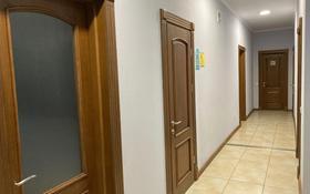 7-комнатный дом помесячно, 273 м², 10 сот., мкр Астана, Саина — Шаляпина за 750 000 〒 в Алматы, Ауэзовский р-н