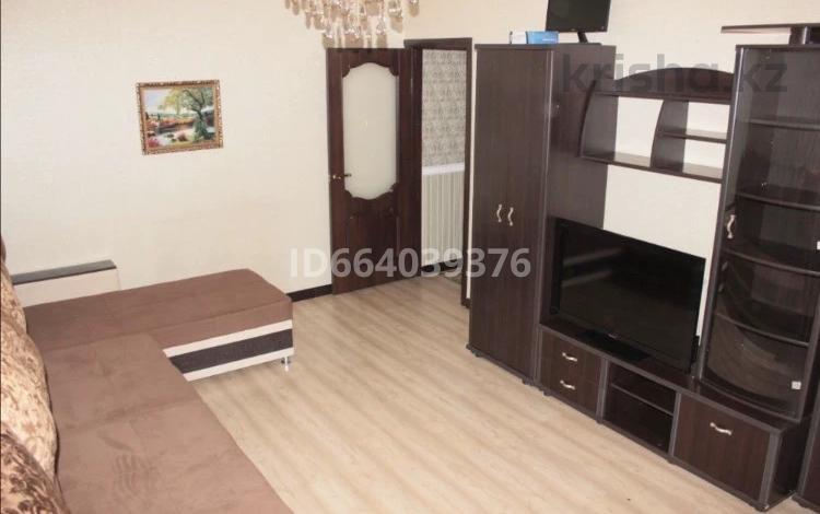 2-комнатная квартира, 50 м², 5/9 этаж посуточно, Казахстан 70 за 15 000 〒 в Усть-Каменогорске