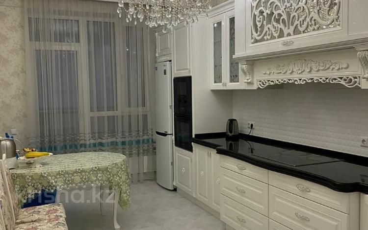 2-комнатная квартира, 70 м², 6 этаж помесячно, проспект Мангилик Ел 35 за 250 000 〒 в Нур-Султане (Астана), Есиль р-н