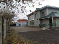 5-комнатный дом помесячно, 225 м², 20 сот.
