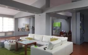 4-комнатная квартира, 240 м², 4/5 этаж помесячно, проспект Бухар жырау 68 — Комиссарова за 300 000 〒 в Караганде, Казыбек би р-н