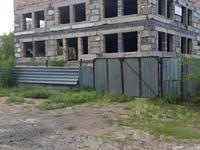 Здание, площадью 992 м²
