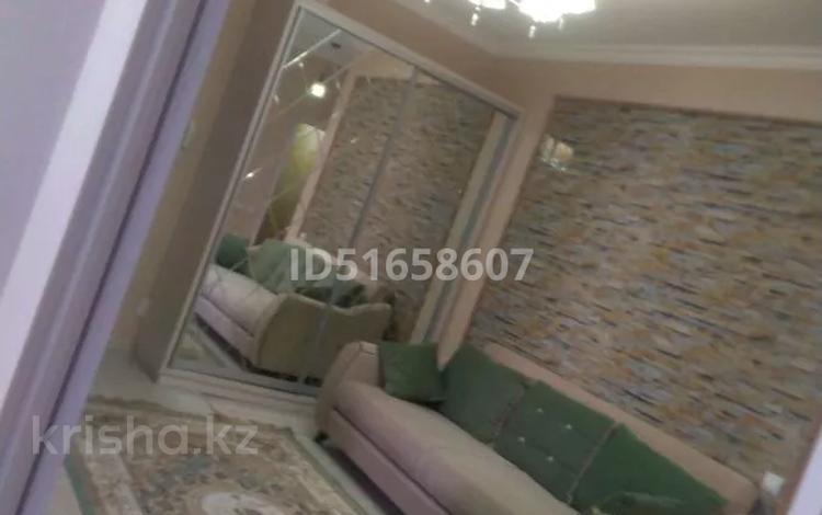 2-комнатная квартира, 79 м², 8/10 этаж, Туркестан 10 за 35 млн 〒 в Нур-Султане (Астана), Есиль р-н
