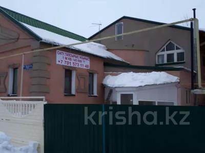 7-комнатный дом, 300 м², 4 сот., Жунисова 4 за 42 млн 〒 в Уральске