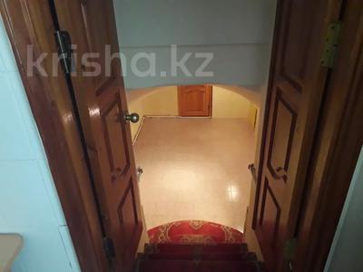 7-комнатный дом, 300 м², 4 сот., Жунисова 4 за 42 млн 〒 в Уральске — фото 7
