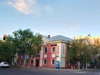 Здание, площадью 1246 м²