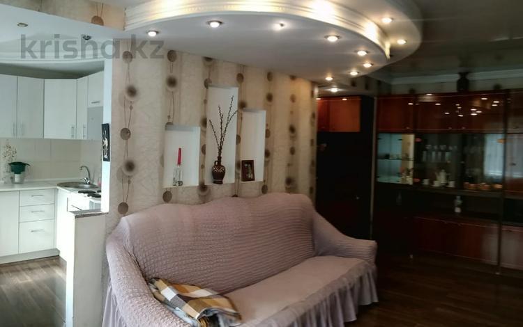 3-комнатная квартира, 59 м², 1/5 этаж, Казахстан 87 за ~ 15.4 млн 〒 в Усть-Каменогорске