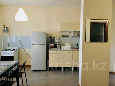 2-комнатная квартира, 58 м², 3/9 этаж посуточно, Привокзальный-3А 14 за 8 000 〒 в Атырау, Привокзальный-3А — фото 5