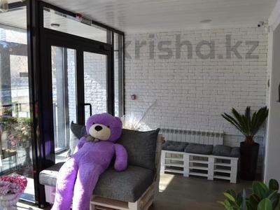 Магазин площадью 122 м², проспект Абилкайыр Хана 89 за 70 млн 〒 в Актобе — фото 5