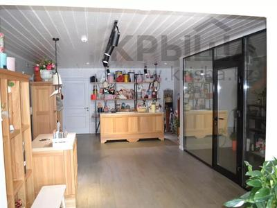Магазин площадью 122 м², проспект Абилкайыр Хана 89 за 70 млн 〒 в Актобе — фото 6