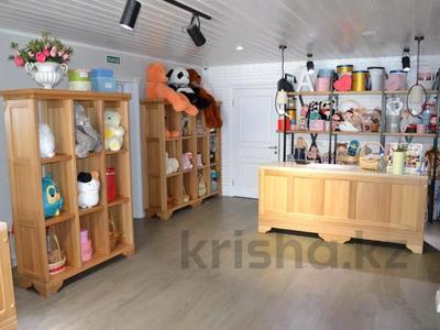 Магазин площадью 122 м², проспект Абилкайыр Хана 89 за 70 млн 〒 в Актобе — фото 8