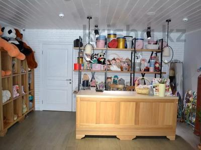 Магазин площадью 122 м², проспект Абилкайыр Хана 89 за 70 млн 〒 в Актобе — фото 7