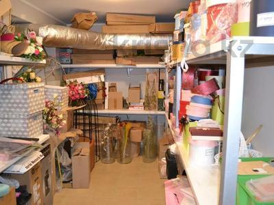 Магазин площадью 122 м², проспект Абилкайыр Хана 89 за 70 млн 〒 в Актобе — фото 15
