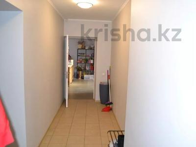 Магазин площадью 122 м², проспект Абилкайыр Хана 89 за 70 млн 〒 в Актобе — фото 18