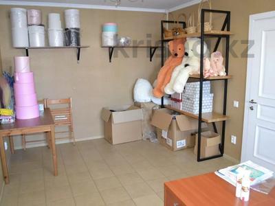 Магазин площадью 122 м², проспект Абилкайыр Хана 89 за 70 млн 〒 в Актобе — фото 24