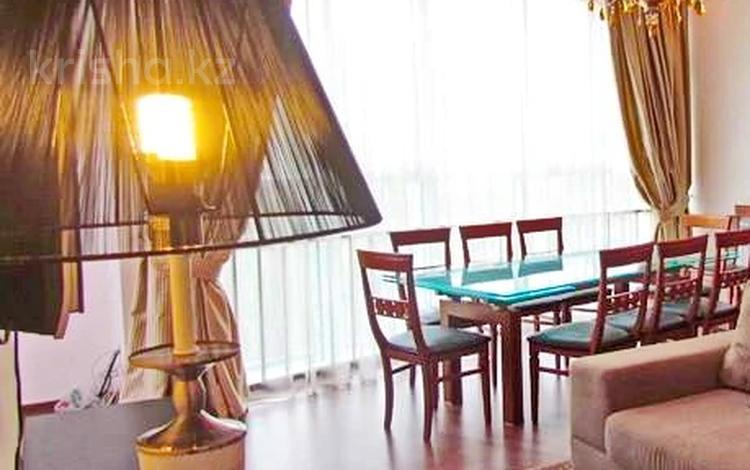 3-комнатная квартира, 92 м², 7 этаж помесячно, Достык — Ньютона за 380 000 〒 в Алматы, Медеуский р-н