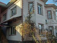 9-комнатный дом, 750 м², 12 сот.