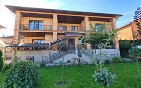 13-комнатный дом, 700 м², 10 сот., мкр Нур Алатау, Жулдыз-2 за 350 млн 〒 в Алматы, Бостандыкский р-н
