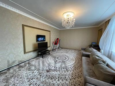 3-комнатная квартира, 135 м², 16/23 этаж, Динмухаммед Кунаев 12 за 53 млн 〒 в Нур-Султане (Астане), Есильский р-н