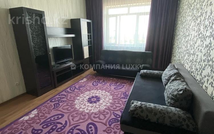 2-комнатная квартира, 65 м², 10/15 этаж посуточно, Абая 150/230 за 11 000 〒 в Алматы, Бостандыкский р-н