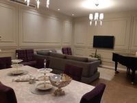 4-комнатная квартира, 200 м² помесячно